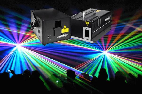Full color lasershow met hazer rook